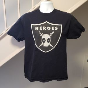 Other - Deadpool Raiders Mashup Medium T-Shirt